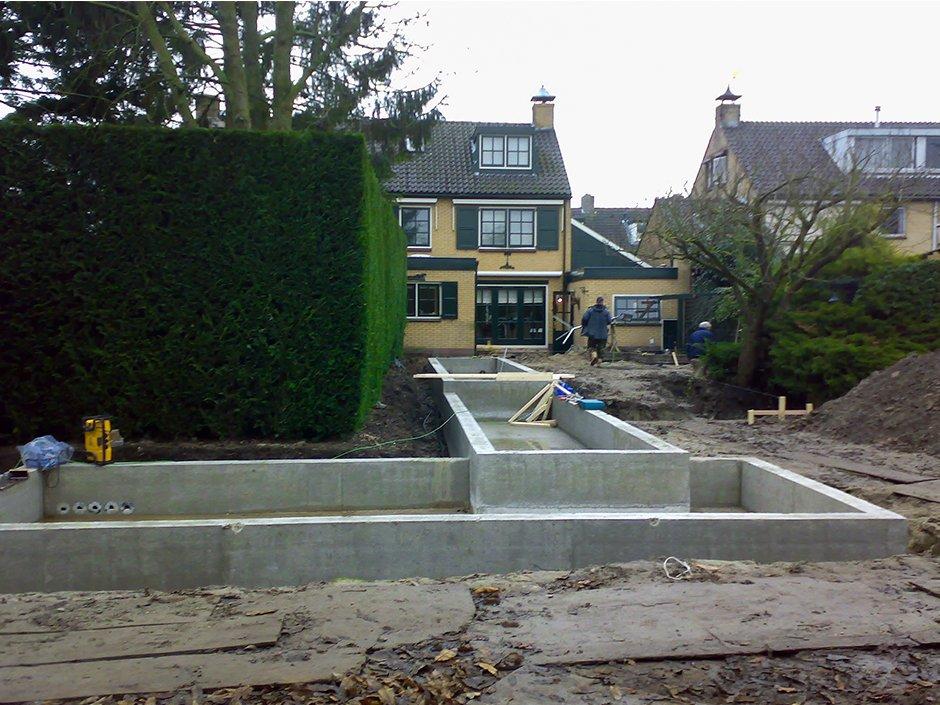 Projecten 3 van jaarsveld tuinen for Betonnen vijver aanleggen