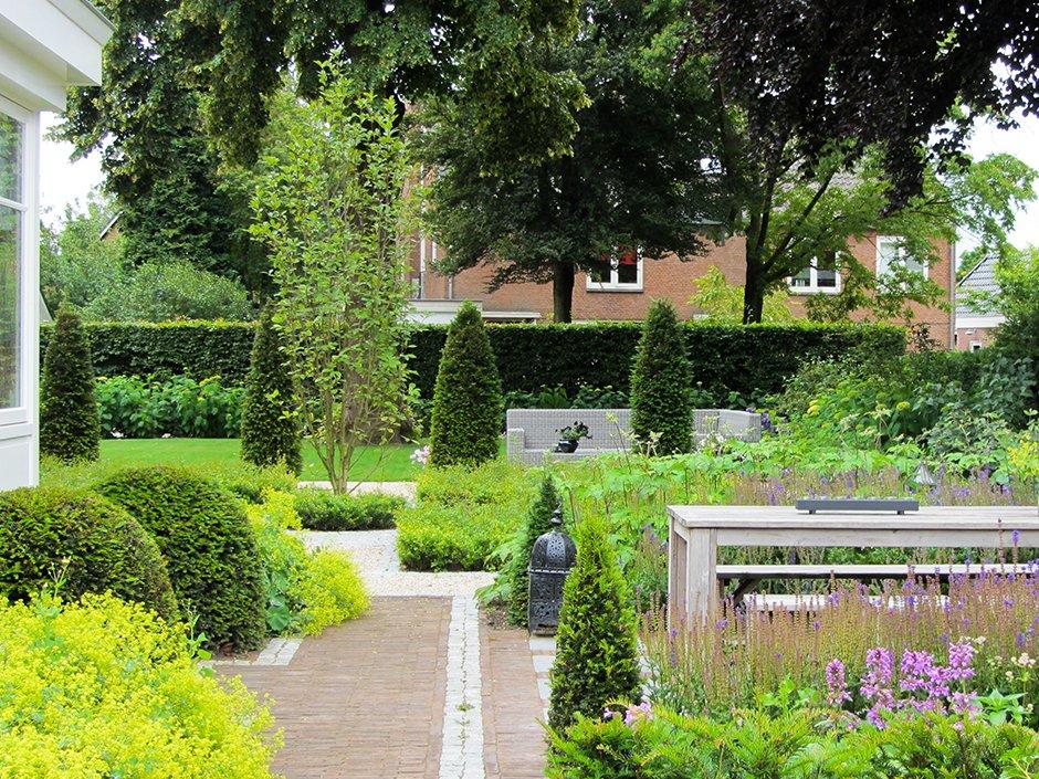 klassieke tuin in barokstijl bij villa van jaarsveld tuinen. Black Bedroom Furniture Sets. Home Design Ideas