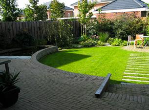 Gras In Tuin : Aanleg gazon van jaarsveld tuinen