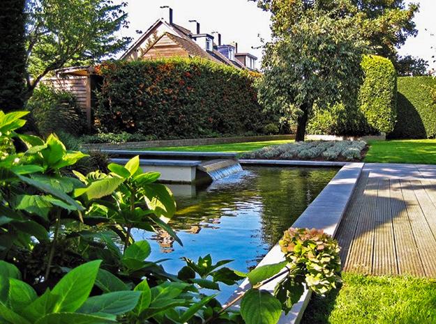 Vijver aanleggen van jaarsveld tuinen for Waterval vijver aanleggen